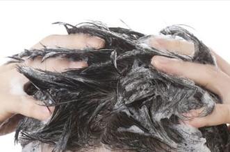 【整髪料 除去】おすすめのスタイリング剤とその落とし方 予洗い編