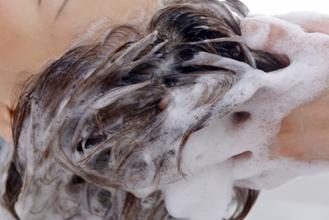 【円形脱毛症 治療】ヘアケアとメンタルケアの重要性
